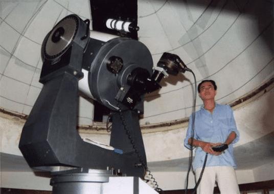 Kính thiên văn phản xạ cấu tạo theo kiểu Cassegrain